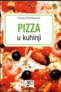 Pizza u kuhinji